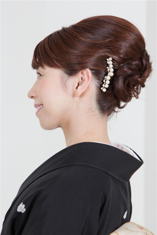 上品で控えめな50代アップの結婚式の髪型 | 【結婚式】髪型 ...