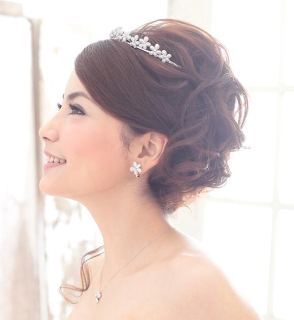 結婚式の髪型 華やかな40代にみせるやり方 | 【結婚式】髪型 ...